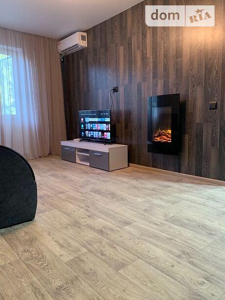 двухкомнатная квартира в Мариуполе, район Центральный, на Строителей Пр 111 в аренду на короткий срок посуточно фото 1