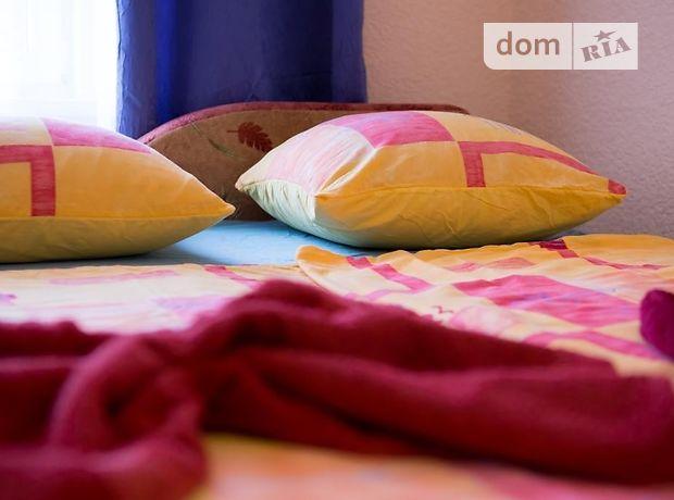 двокімнатна квартира в Мукачевому, район Мукачево, на Кирилла и Мефодия площадь 12, в оренду на короткий термін подобово фото 1