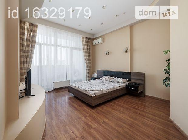 трехкомнатная квартира в Одессе, район Аркадия, на плато Гагаринское 5/3, в аренду на короткий срок посуточно фото 1