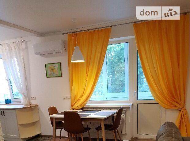 двухкомнатная квартира в Одессе, район Малый Фонтан, на ул. Довженко 7, в аренду на короткий срок посуточно фото 1