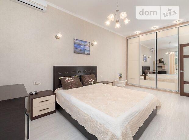 однокомнатная квартира в Одессе, район Приморский, на бул. Французский 60б, в аренду на короткий срок посуточно фото 1