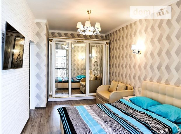 однокомнатная квартира в Одессе, район Приморский, на ул. Генуэзская 3-А, в аренду на короткий срок посуточно фото 1