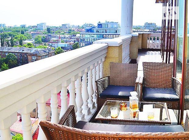 трехкомнатная квартира в Одессе, район Приморский, на ул. Греческая 1а, в аренду на короткий срок посуточно фото 1