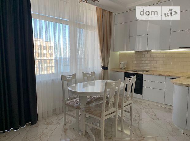 однокомнатная квартира в Одессе, район Приморский, на ул. Каманина 16а/2, в аренду на короткий срок посуточно фото 1