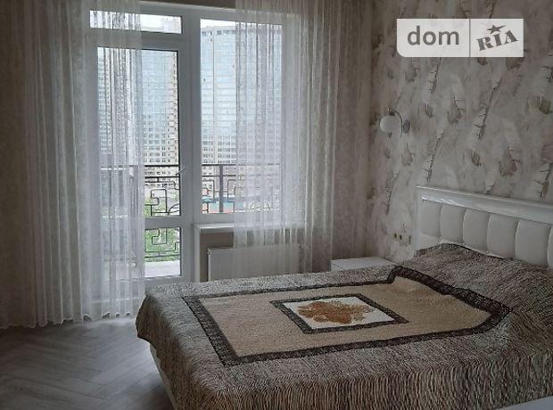 двухкомнатная квартира в Одессе, район Приморский, на ул. Литературная 8 в аренду на короткий срок посуточно фото 1