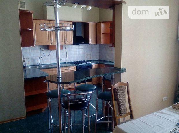 четырехкомнатная квартира в Одессе, район Приморский, на ул. Троицкая 28, в аренду на короткий срок посуточно фото 1
