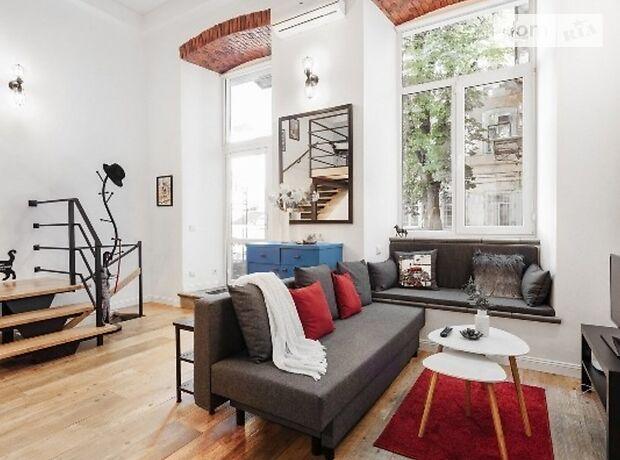 двухкомнатная квартира в Одессе, район Центр, на ул. Ласточкина 21 в аренду на короткий срок посуточно фото 1