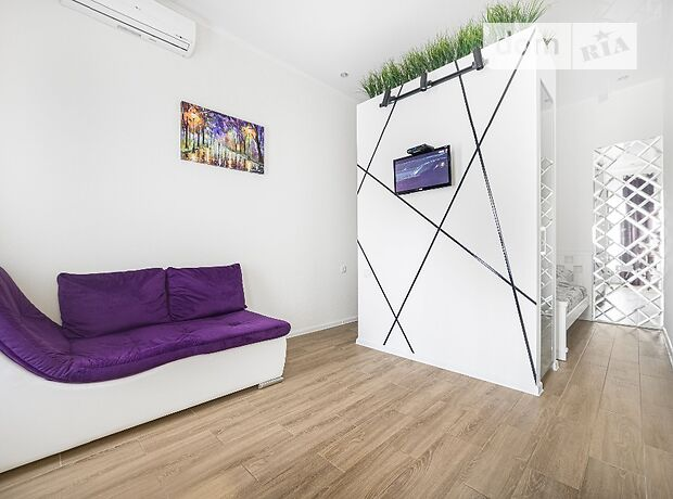 однокомнатная квартира в Одессе, район Центр, на ул. Бунина в аренду на короткий срок посуточно фото 1