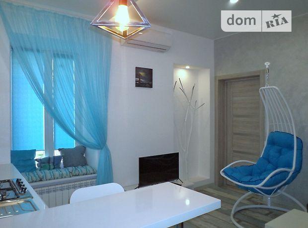 однокомнатная квартира в Одессе, район Центр, на ул. Маразлиевская 5, в аренду на короткий срок посуточно фото 1