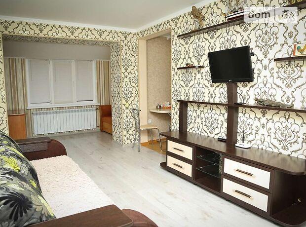 однокімнатна квартира в Путивлі, на Ионна Путивльского 38, кв. 42, в оренду на короткий термін подобово фото 1
