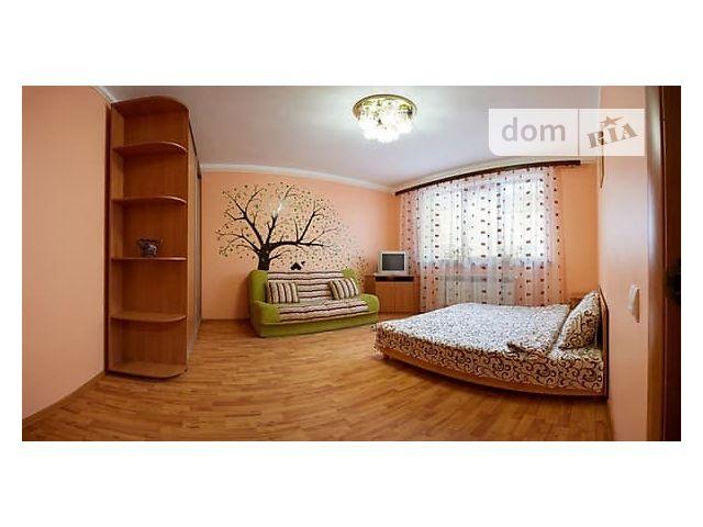 Аренда посуточная квартиры, 1 ком., Ровно, ул. Жукова, 21 б