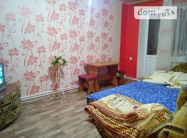 двухкомнатная квартира в Свердловске, район Свердловск, на кв 50 лет октября в аренду на короткий срок посуточно фото 1