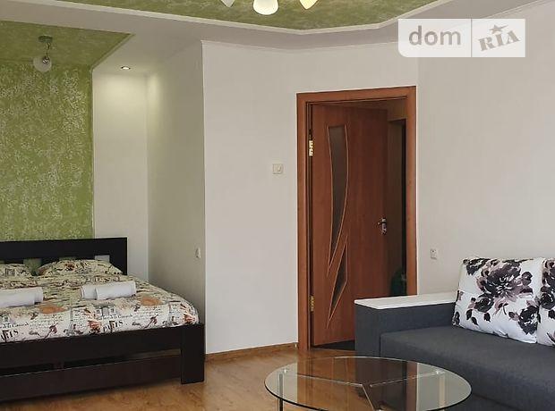 однокомнатная квартира в Тернополе, район Центр, на ул. Крушельницкой Соломии 51, в аренду на короткий срок посуточно фото 1