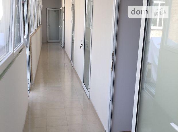 трехкомнатная квартира в Тернополе, район Центр, на ул. Руська 28, в аренду на короткий срок посуточно фото 1