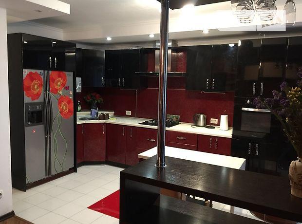 трехкомнатная квартира в Тернополе, район Центр, на ул. Шашкевича 11 в аренду на короткий срок посуточно фото 1