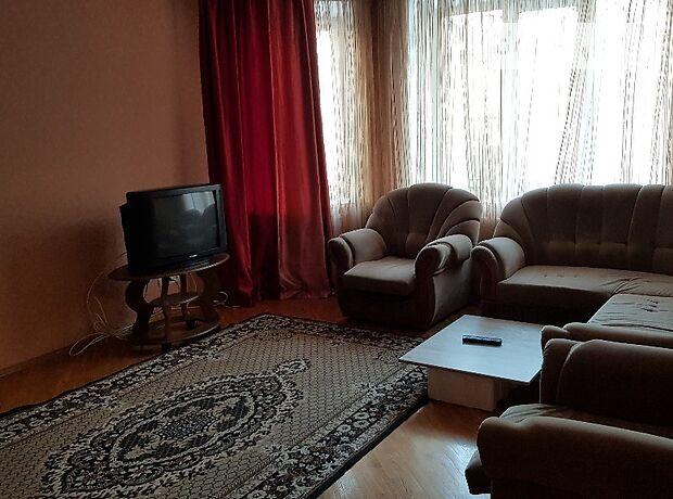 трехкомнатная квартира в Виннице, район Подолье, на ул. Зодчих в аренду на короткий срок посуточно фото 1