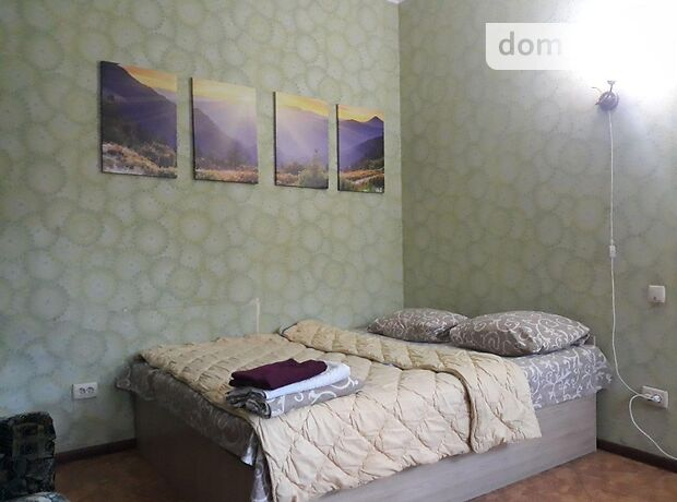однокомнатная квартира в Виннице, район Центр, на ул. Хлебная 26, в аренду на короткий срок посуточно фото 1