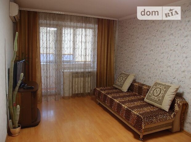 двухкомнатная квартира в Запорожье, район Шевченковский, на ул. 8 марта 23, в аренду на короткий срок посуточно фото 1
