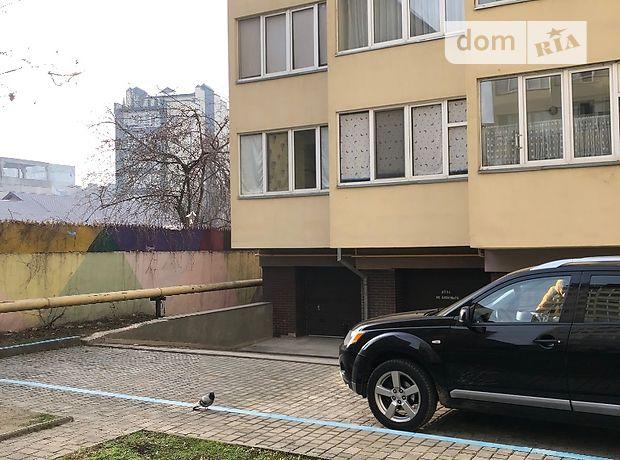 Бокс в гаражном комплексе универсальный в Ивано-Франковске, площадь 20 кв.м. фото 1