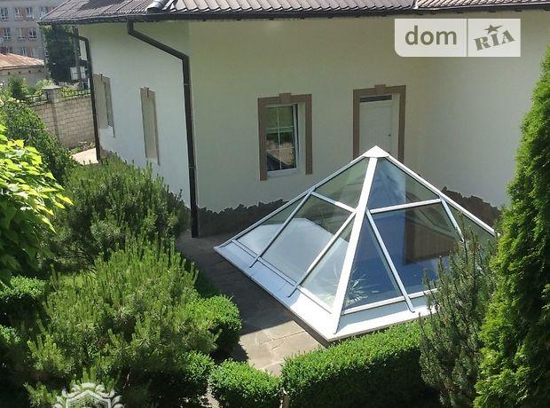 трехэтажный дом с гаражом, 370 кв. м, кирпич. Сдается помесячно в Львове, в районе Лычаковский фото 1