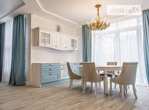 трехэтажный дом с камином, 370 кв. м, кирпич саманный. Сдается помесячно в село Романков, Киевская обл. фото 1