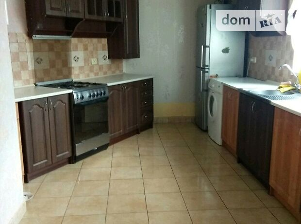 трехкомнатная квартира с мебелью в Бердичеве, район Бердичев, в аренду на долгий срок помесячно фото 1