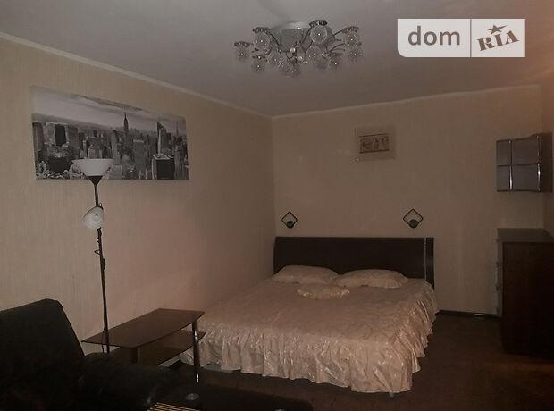 однокомнатная квартира с мебелью в Черкассах, район Железнодорожний вокзал, на ул. Крупской в аренду на долгий срок помесячно фото 1