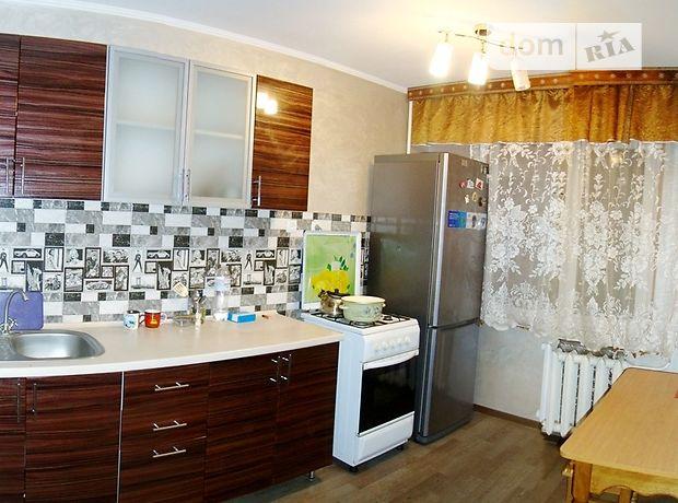 трехкомнатная квартира с мебелью в Черкассах, район к-т Мир, на Ильїна Різдвяна в аренду на долгий срок помесячно фото 1