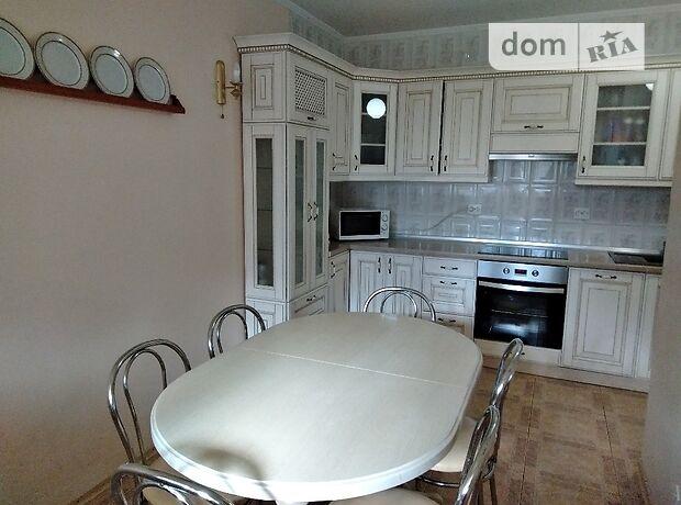 трехкомнатная квартира с мебелью в Черкассах, район Мытница-центр, на ул. Героев Днепра 53, в аренду на долгий срок помесячно фото 1