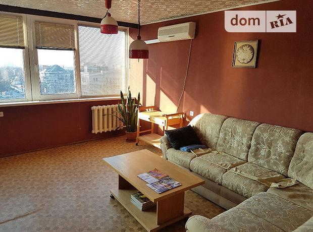 трехкомнатная квартира в Черкассах, район Центр, на бул. Шевченко в аренду на долгий срок помесячно фото 1