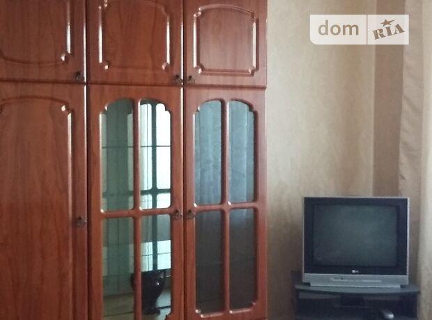 трехкомнатная квартира с мебелью в Черкассах, район ЮЗР, в аренду на долгий срок помесячно фото 1