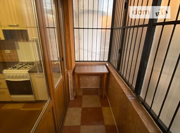 однокомнатная квартира в Черновцах, район Комарова-Красноармейская, на Комарова 31 в аренду на долгий срок помесячно фото 1