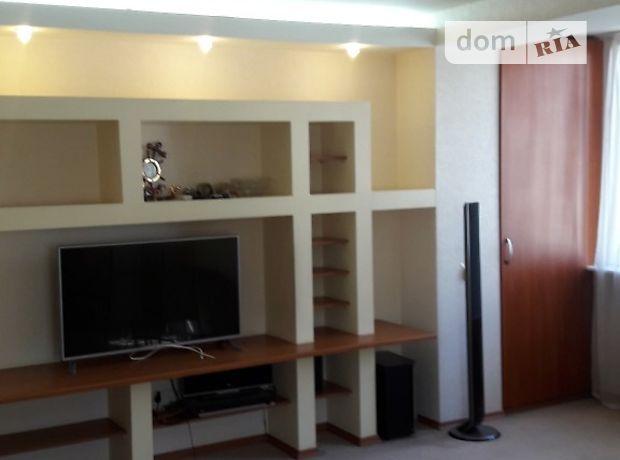 трехкомнатная квартира с мебелью в Днепропетровске, район Калиновая Правда, на ул. Ковалевской С. 57, в аренду на долгий срок помесячно фото 1