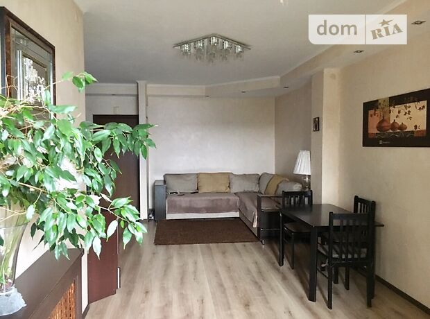 трехкомнатная квартира с мебелью в Днепропетровске, район Победа, на ул. Судца Маршала в аренду на долгий срок помесячно фото 1