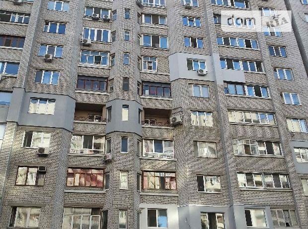 трехкомнатная квартира с мебелью в Днепропетровске, район Тополь, на пер. Джинчарадзе 4, в аренду на долгий срок помесячно фото 1