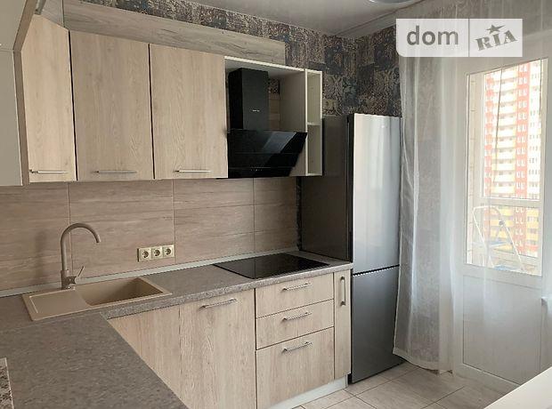 двухкомнатная квартира с мебелью в Киеве, на ул. Бориса Гмыри 16, в аренду на долгий срок помесячно фото 1
