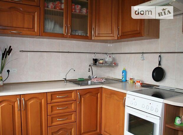 трехкомнатная квартира с мебелью в Киеве, район Борщаговка, на Проспект Королева 2А, в аренду на долгий срок помесячно фото 1
