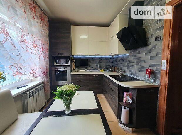 трехкомнатная квартира в Киеве, район Дарницкий, на просп. Петра Григоренко 9, в аренду на долгий срок помесячно фото 1