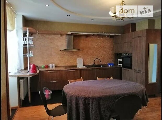 трехкомнатная квартира с мебелью в Киеве, район Дарницкий, на ул. Здолбуновская 9Б, в аренду на долгий срок помесячно фото 1