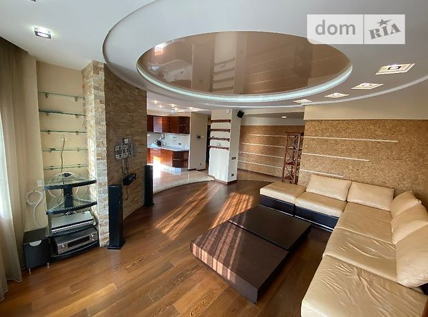 трехкомнатная квартира с мебелью в Киеве, район Дарницкий, на пр-т. Бажана 12, в аренду на долгий срок помесячно фото 1