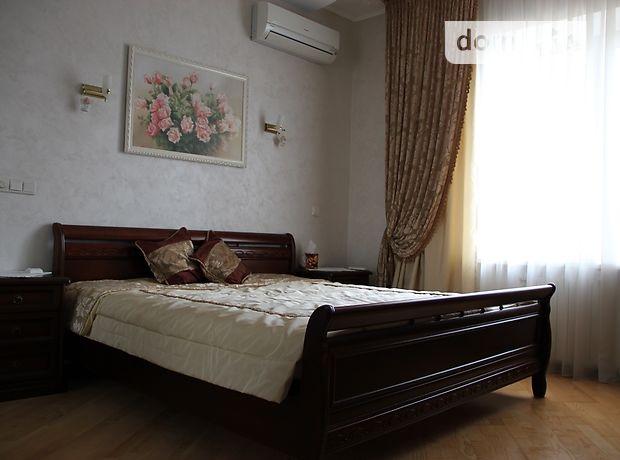 трехкомнатная квартира в Киеве, на ул. Дмитриевская 69, в аренду на долгий срок помесячно фото 1