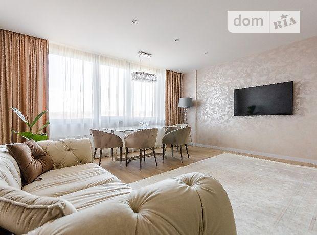 трехкомнатная квартира с мебелью в Киеве, район Голосеевский, на ул. Антоновича 74, в аренду на долгий срок помесячно фото 1