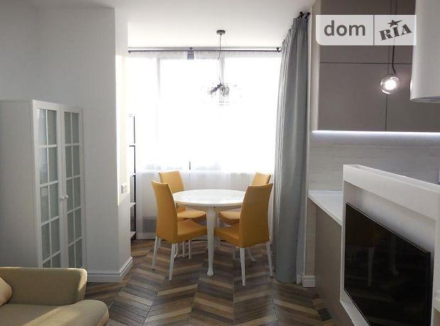 трехкомнатная квартира с мебелью в Киеве, район Голосеевский, на ул. Антоновича 74-78, в аренду на долгий срок помесячно фото 1