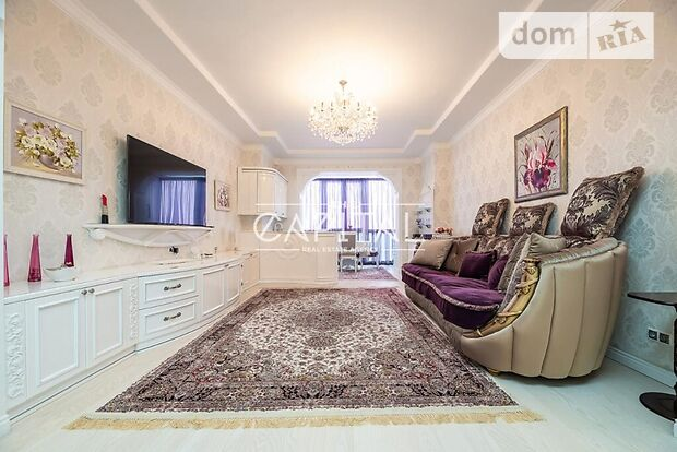 трехкомнатная квартира с мебелью в Киеве, район Печерск, на Евгения Коновальца ул 36в, кв. 56, в аренду на долгий срок помесячно фото 1
