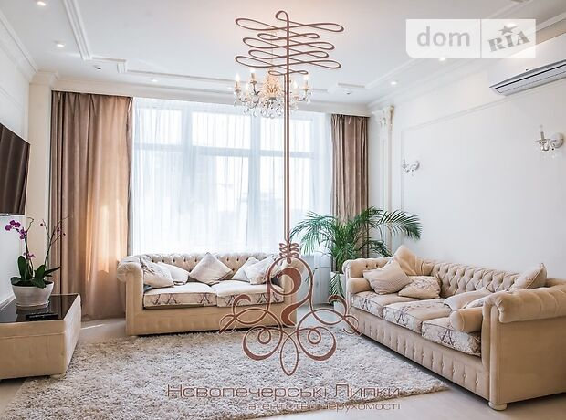 трехкомнатная квартира с мебелью в Киеве, район Печерский, на ул. Драгомирова 7, в аренду на долгий срок помесячно фото 1
