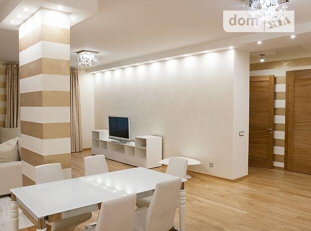 четырехкомнатная квартира с мебелью в Киеве, район Печерский, на ул. Круглоуниверситетская 3-5, в аренду на долгий срок помесячно фото 1