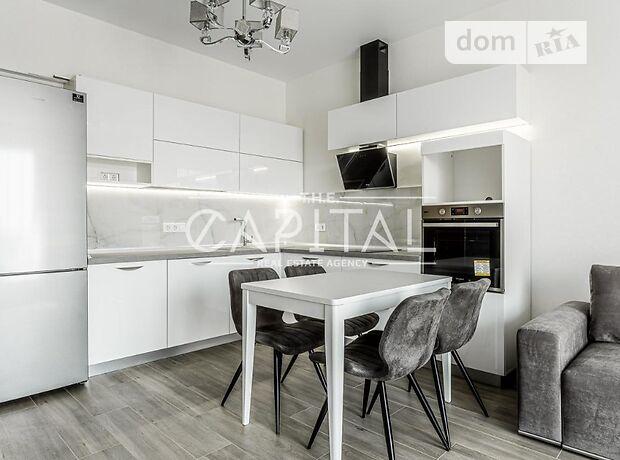 двухкомнатная квартира с мебелью в Киеве, район Печерский, на пер. Лабораторный 7, в аренду на долгий срок помесячно фото 1