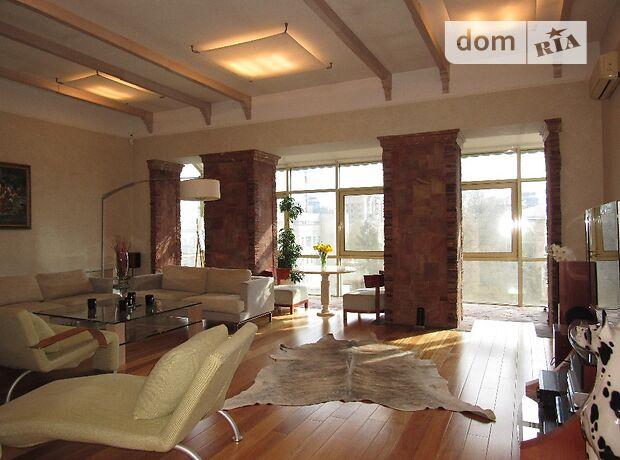 трехкомнатная квартира с мебелью в Киеве, район Печерский, на Институтская улица 24/7 в аренду на долгий срок помесячно фото 1