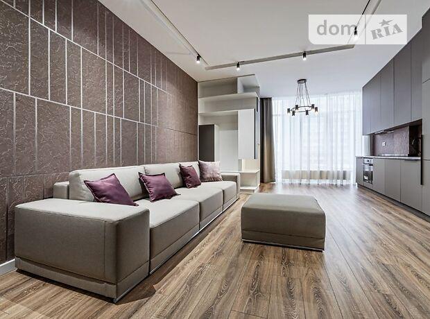 трехкомнатная квартира с мебелью в Киеве, район Печерский, на ул. Саперное Поле 3, в аренду на долгий срок помесячно фото 1