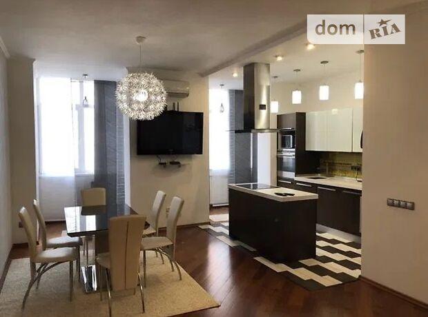 трехкомнатная квартира с мебелью в Киеве, район Печерский, на коновальця 32г, в аренду на долгий срок помесячно фото 1